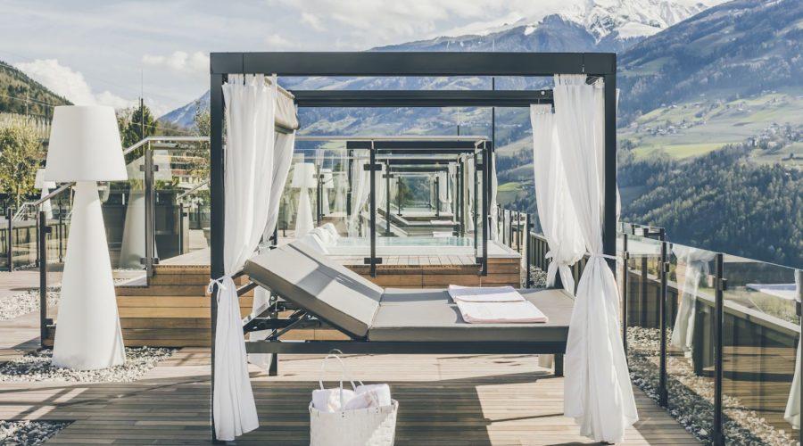 Doppelliegen Auf Sonnenterrasse Des Hotels C Tiberio Sorvillo Hotel Golserhof