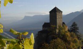 Schloss Tirol In Dorf Tirol Bei Meran Mit Bergpanorama Hotel Ansitz Golserhof