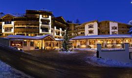 Aussenansicht bei Nacht, Hotel Klausnerhof Hintertux - Österreich
