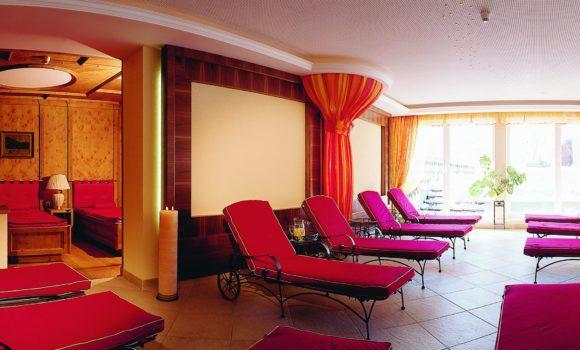liegen_im_ruheraum_hotel_post_am_see