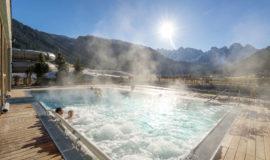 Sommer Aussenpool Mit Ausblick Family Resort Dachsteinkoenig