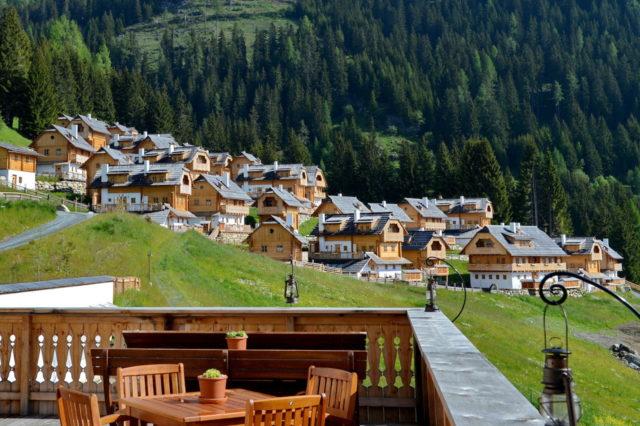 Das Almdorf Aussicht Dorfteil Kleeangerle@Das Almdorf World Peace Eco Resort