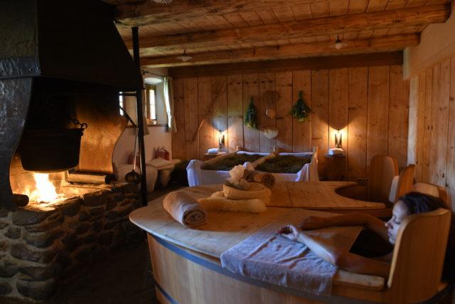 Das Almdorf Traditionelles Kräuterheubad@Das Almdorf World Peace Eco Resort