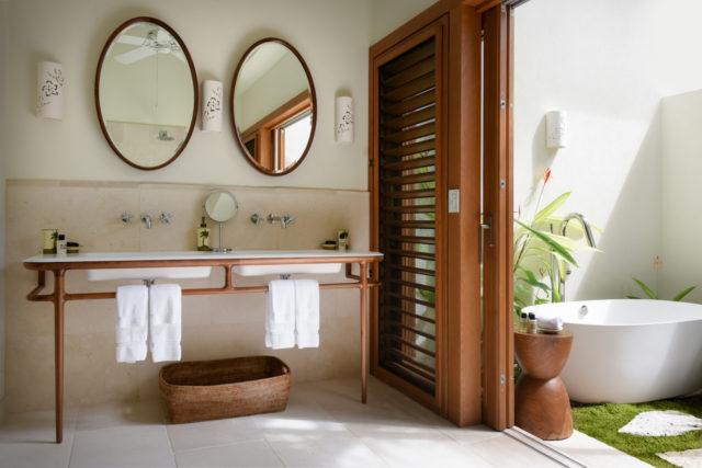 Villa Pond Bay 4 Bedroom Allamanda Bathroom 2729