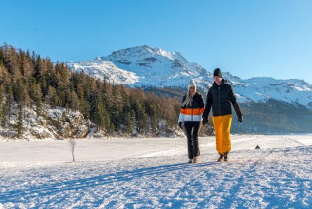 Winterwandern Champfersee In Der Sonne C Swiss Image.ch Romano Salis Art Boutique Hotel Monopol