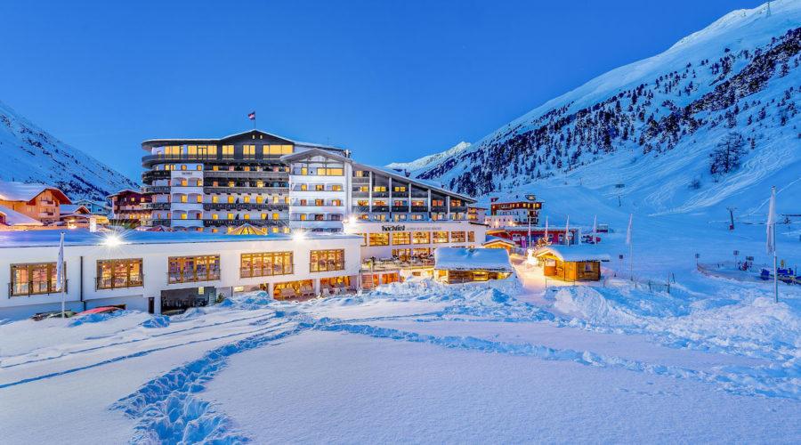 Aussenansicht Mit Neuen Suiten Im Winter C Alexander Maria Lohmann Hotel Hochfirst