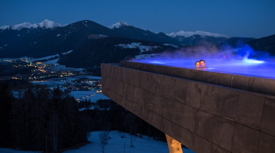 Skypool Im Winter Bei Nacht Alpin Panorama Hotel Hubertus
