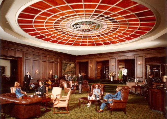 Vier Jahreszeiten Lobby 1970