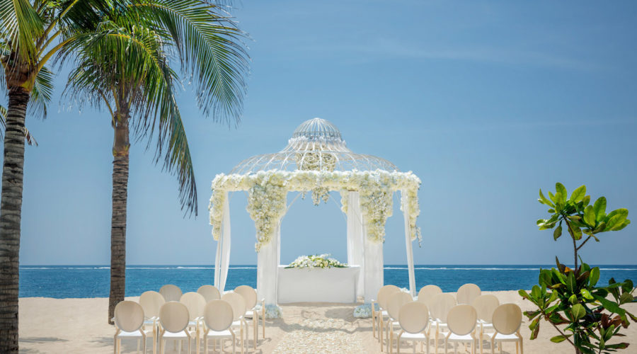 Mulia Beach Wedding 02