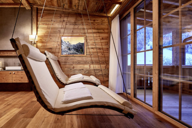 """5-Sterne SPA-HOTEL Jagdhof zu """"Austria's Best Ski Hotel 2018"""" gekürt"""