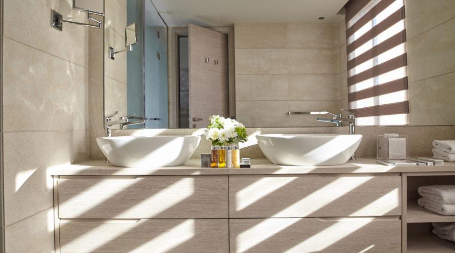 Bathroom 1 Sani Dunes (c)Sani Resort