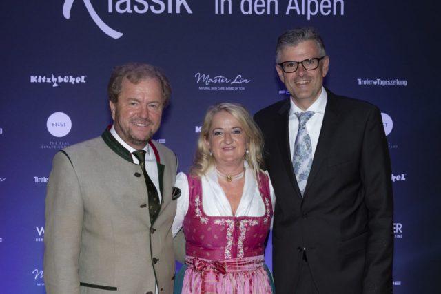 Hoteldirektor Johannes Mitterer Buergermeister Klaus Winkler Mit Ehefrau Irmi