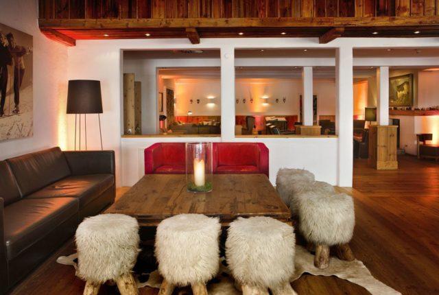 Kitz Lounge Sitzecke Mit Fellhocker