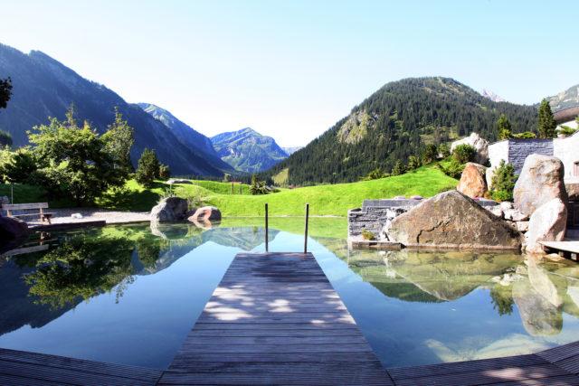 Das Hotel Jungbrunn in Tannheim in Tirol präsentiert sich in neuem Gewand und mit Ayurveda