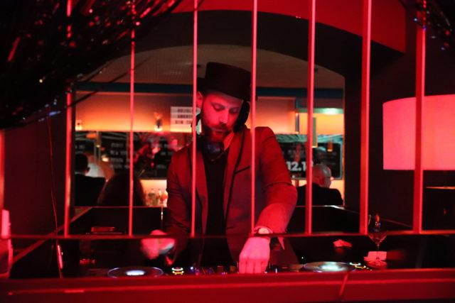 12.18. DJ @PetraStadler.com