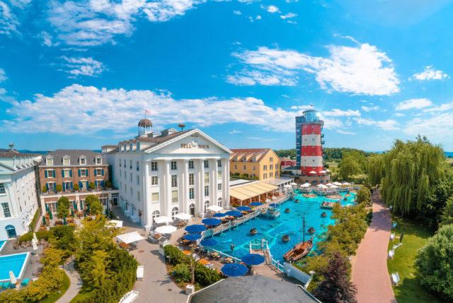 """Blick auf das 4-Sterne Superior Hotel """"Bell Rock"""" - eines von sechs Erlebnishotels des Europa-Park"""