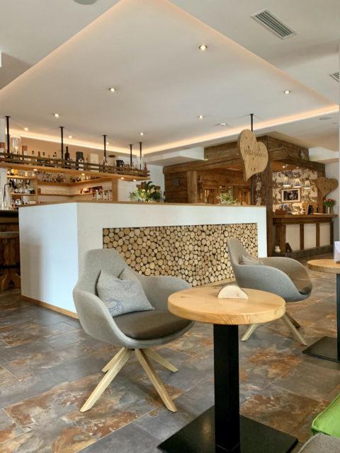2 Lobby Und Barbereich C: Andrea Vodermayr