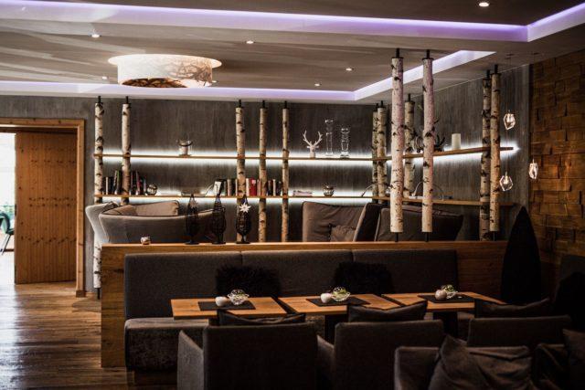 Exklulsiver Bar Und Lobbybereich C Aileen Melucci Wellnesshotel Walserhof Kleinwalsertal Hotels 0