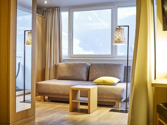 Geniesser Doppelzimmer Sonnahoeldere Mit Tollem Bergblick C Michael Gunz Genuss Aktivhotel Sonnenburg Kleinwalsertal Hotels 0