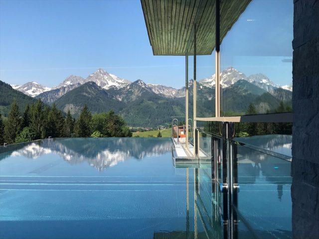 Infinity Pool Mit Blick Auf Die Bergwelt Hotel Bergblick