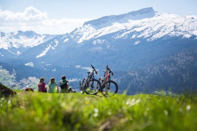 Kleine Pause Mit Blick Auf Die Berge C Walserdruck Genuss Aktivhotel Sonnenburg Kleinwalsertal Hotels 0