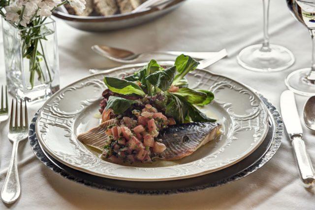 Koestliche Fischvorspeise Hotel Gemma Kleinwalsertal Hotels 0