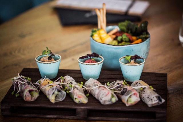 Kreativ Fernoestliche Kueche Am Sushi Abend C Aileen Melucci Wellnesshotel Walserhof Kleinwalsertal Hotels