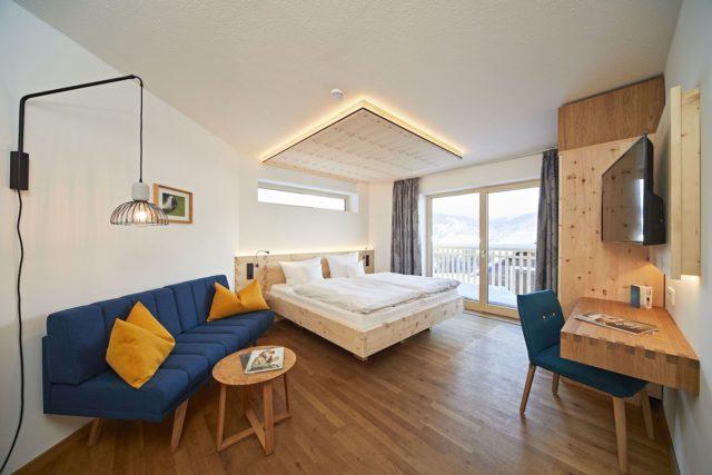 Modern Eingerichtetes Doppelzimmer C Tobias Burger Bio Hotel Oswalda Hus Kleinwalsertal Hotels