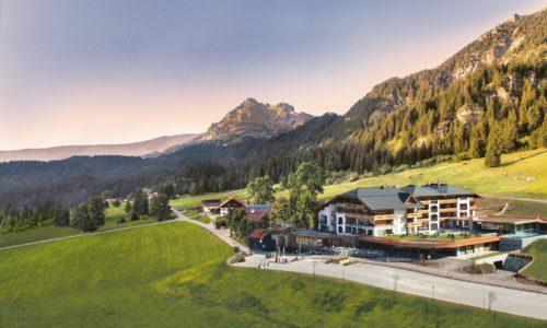 Traumhafte Aussenaufnahme Mit Blick Auf Die Berge Hotel Bergblick
