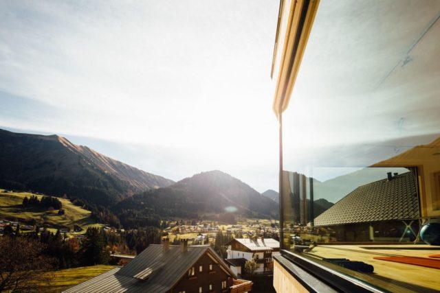 Wohl.fuehl .momente. Auf Der Panoramaterrasse C Andy Mayr Genuss Aktivhotel Sonnenburg Kleinwalsertal Hotels