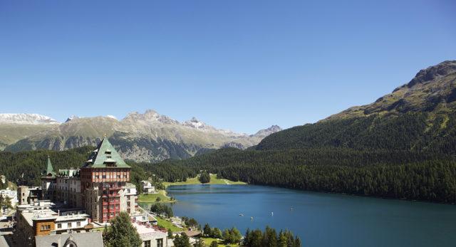BPH Außenansicht Sommer (c) Badrutt's Palace Hotel