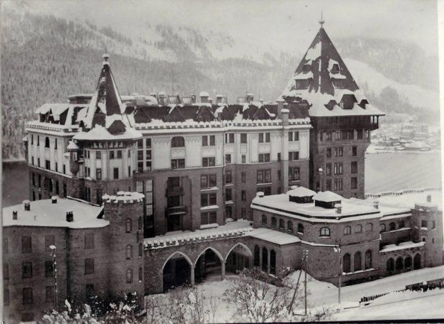 BPH Historie Außenansicht (c) Badrutt's Palace Hotel