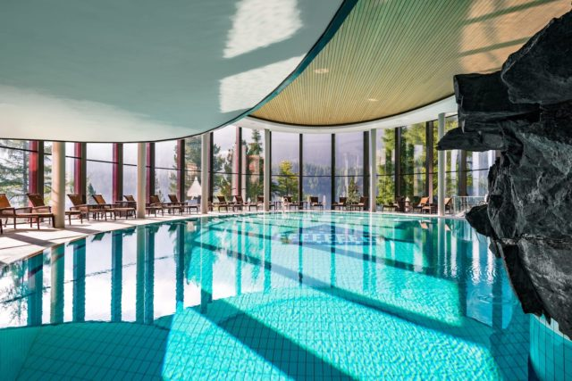 BPH Palace Wellness Infinity Pool (c) Badrutt's Palace Hotel