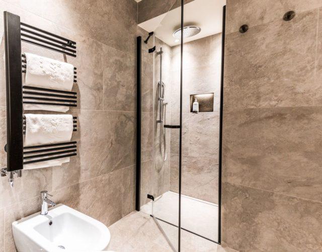 Badezimmer Im Superior Zimmer C Dejori Werner Hotel Granbaita Dolomites