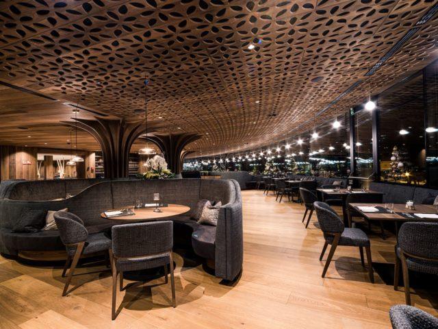 Extravaganter Restaurantbereich Hotel Granbaita Dolomites
