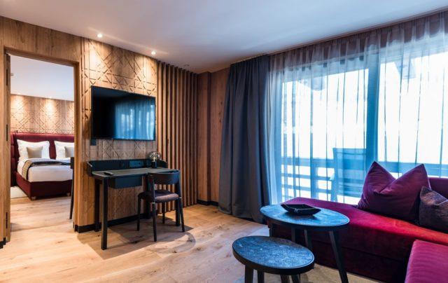Gemuetliche Tv Ecke In Der Junior Suite C Dejori Werner Hotel Granbaita Dolomites
