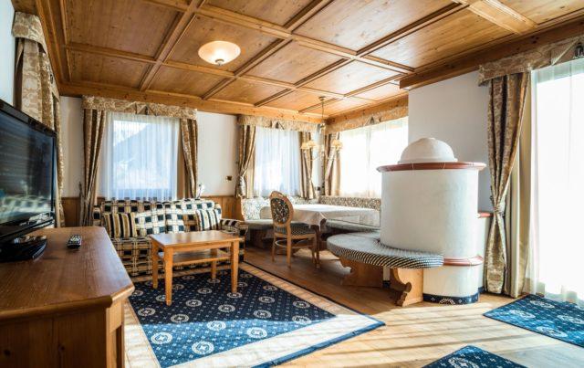 Herzlicher Wohnbereich Der Selva Suite C Dejori Werner Hotel Granbaita Dolomites