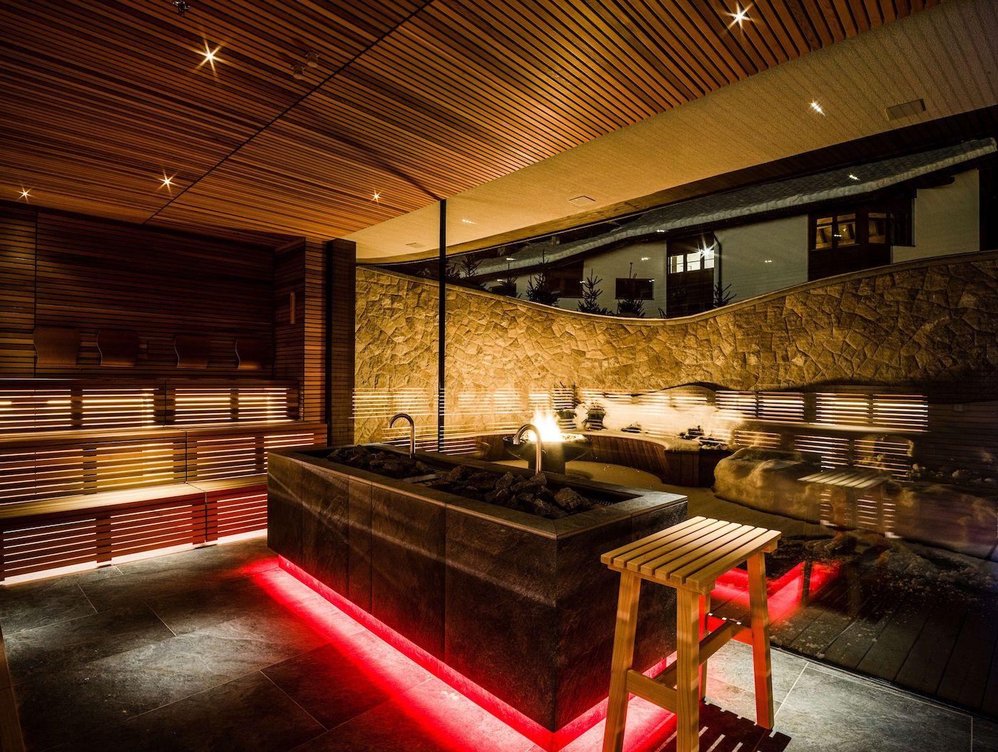 Sauna Mit Panoramafenster Bei Nacht C Dejori Werner Hotel Granbaita Dolomites