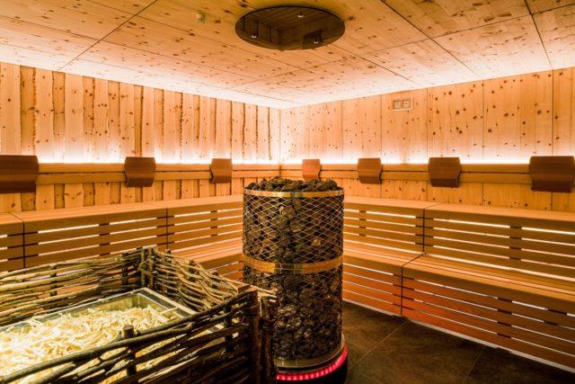 Urige Sauna C Dejori Werner Hotel Granbaita Dolomites